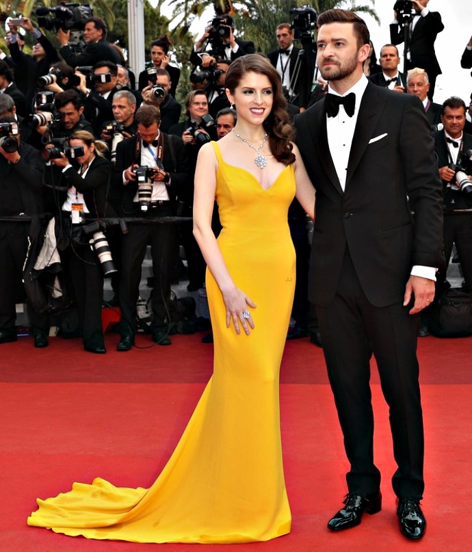 """CANNES, FRANCE - MAY 11: Anna Kendrick and Justin Timberlake attend the """"Cafe Society"""" premiere and the Opening Night Gala during the 69th annual Cannes Film Festival at the Palais des Festivals on May 11, 2016 in Cannes, France. (Photo by Andreas Rentz/Getty Images)"""