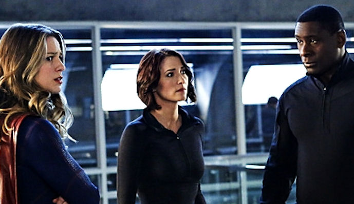 "Supergirl -- ""Medusa"" -- Image SPG208b_0093 -- Pictured(L-R): Melissa Benoist as Kara/Supergirl, Chyler Leigh as Alex Danvers, David Harewood as Hank Henshaw, and Helen Slater as Eliza Danvers -- Photo: Bettina Strauss/The CW -- © 2016 The CW Network, LLC. All Rights Reserved"